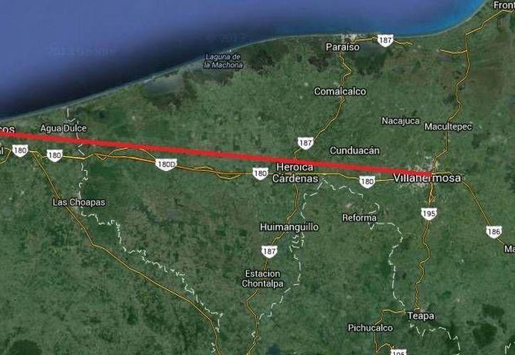 El accidente se registró ayer por la noche a la altura del kilómetro 5 de la carretera Coatzacoalcos-Villa Hermosa. (Google Maps)