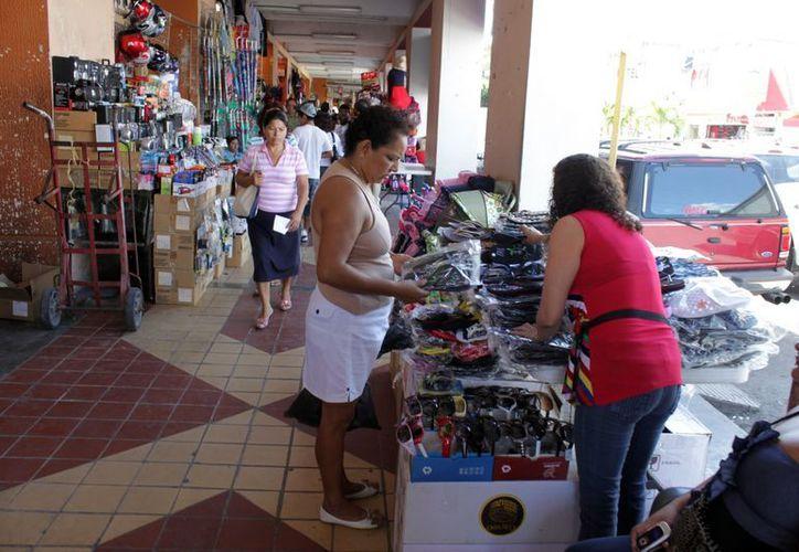 La posible llegada de visitantes a la capital del estado podría beneficiar al comercio de la zona. (Francisco Sansores/SIPSE)
