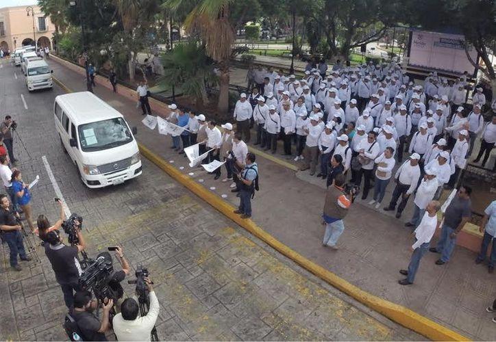 Brigadas de salud del Ayuntamiento de Mérida iniciaron la IV Semana de Abatización, para frenar la proliferación del mosquito transmisor del dengue, zika y chikungunya. (Cortesía)