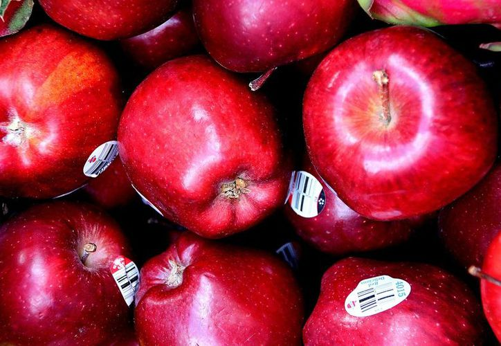 Las etiquetas en las frutas y verduras tienen información sobre su origen y el proceso por el que han pasado. (Pxhere)