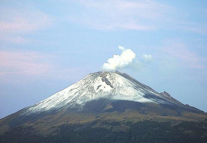 Imagen del volcán Popocatépetl hoy 1 de agosto a las 7:00 horas.(foto tomada de webcamsdemexico.com)