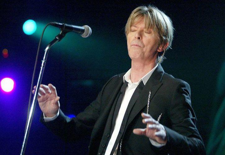 Bowie ha tenido que superar a un rey, dos reinas y un peso pesado de la política en nuestra encuesta. (Archivo/EFE)