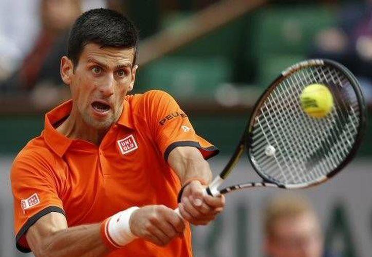 Novak busca conquistar el Grand Slam francés para convertirse en el octavo jugador de la historia que completa la colección (AP)