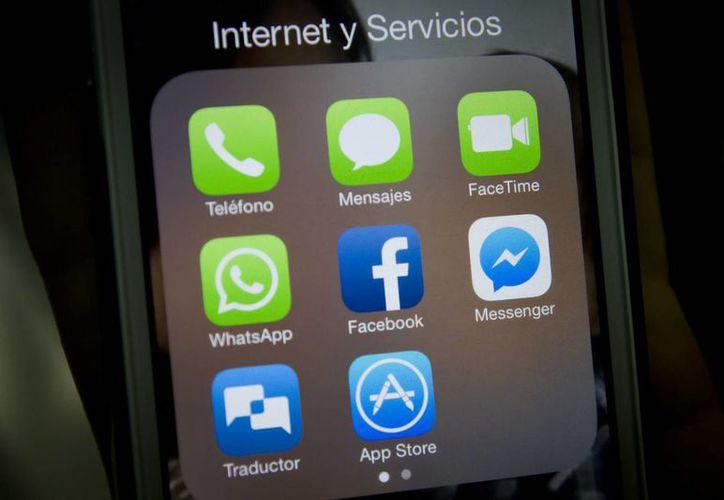 La mensajería instantánea se disparó con un 12 por ciento de crecimiento en el uso diario con la plataforma de mensajería privada como WhatsApp, Facebook Messenger y Viber. (Archivo/Notimex)