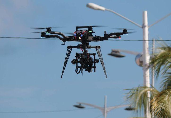 Exhortó a las autoridades municipales a cuidar las áreas en las que se hacen uso de estos drones. (Gustavo Villegas/SIPSE)