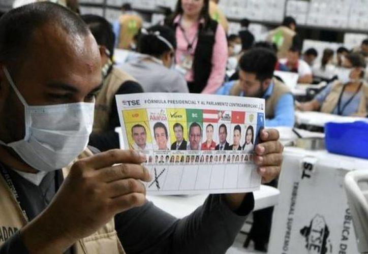 Tribunal Supremo Electoral (TSE) de Honduras declaró ganador a Juan Orlando Hernández, el pasado 26 de noviembre. (Contexto/ Internet)