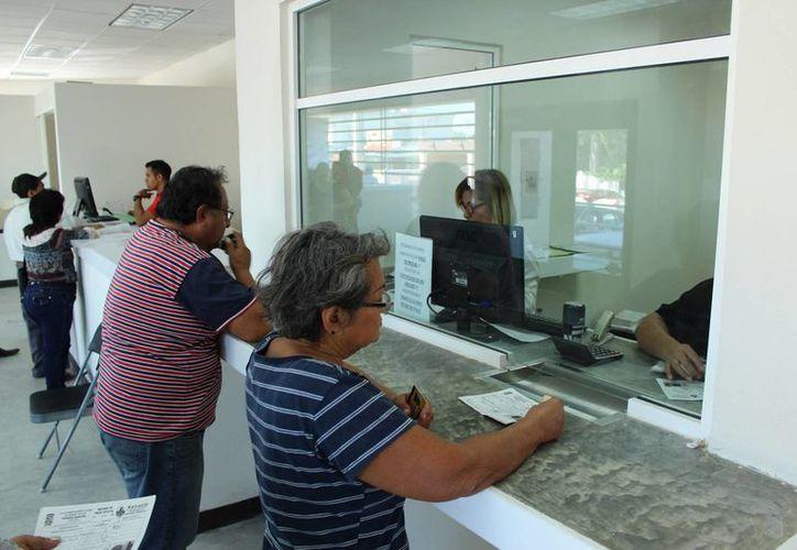 A través del programa 'Cuenta con tu Ayuntamiento', la Comuna de Kanasín brinda descuentos del 10 al 80%. (Foto cortesía del Gobierno)