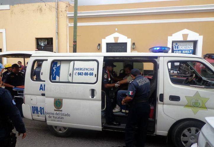 Paramédicos de la Policía Municipal de Mérida brindan servicio en el primer cuadro de la ciudad. (Milenio Novedades)