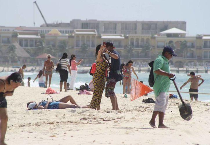Pronostican que la temperatura seguirá subiendo en la Riviera Maya, el jueves la sensación térmica fue de 41 grados.  (Octavio Martínez/SIPSE)