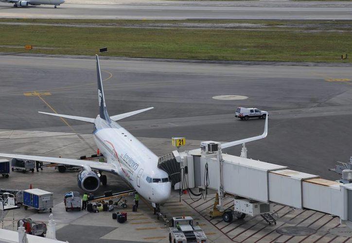 El número de viajeros nacionales creció 15.3% cuando registró un aumento de 121 mil 136 personas. (Foto: Israel Leal)