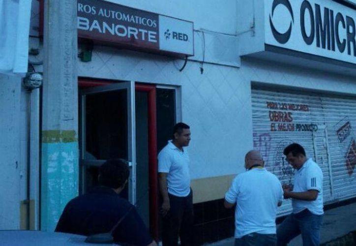 Peritos de la PGJ acudieron al lugar para realizar el levantamiento de evidencias. (Internet)