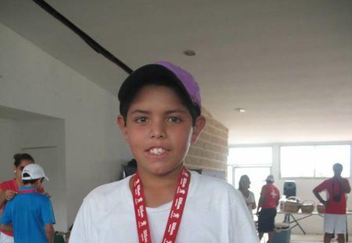 Emiliano Moheno se lleva los máximos honores en la categoría 10 años del nacional Grado 2. (Raúl Caballero/SIPSE)