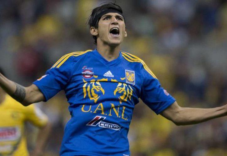 Alan Pulido desafió a Tigres de la UANL y ahora juega con el Levadiakos de Grecia pero el TAS está por decidir su situación legal. (posta.com.mx)