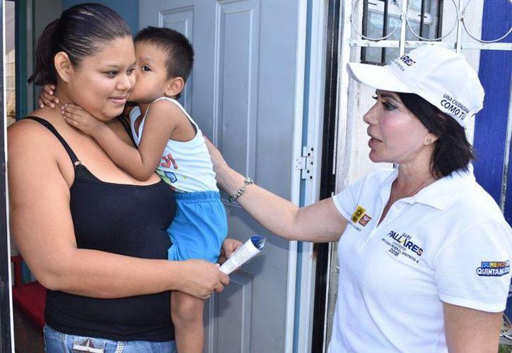 La candidata a diputada federal por el Distrito 04 destaca iniciativas que fortalecen a la mujer, a la educación y a mejorar el nivel de vida de las personas. (Redacción/SIPSE)