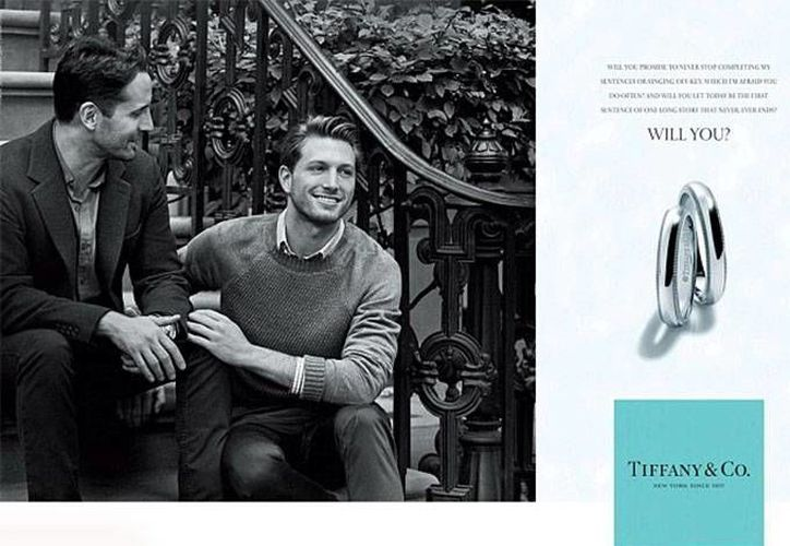 Los hombres de la nueva campaña publicitaria de Tiffany son gays, pero no modelos. (Foto: Tiffany)