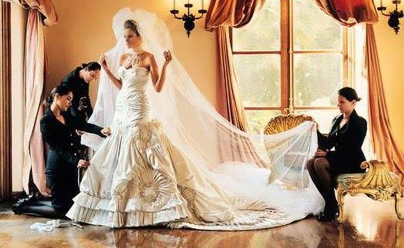 La revista Vogue le dedicó la portada a Melania Trump en 2005, año en el que se casó con el magnate Donald Trump.(Vogue)