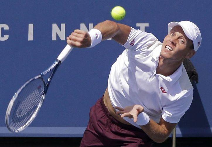 En sorpresivo partido, el checo Tomas Berdych deja fuera del Masters 1000 de Cincinnati al triunfador de Wimbledon, Andy Murray. (Agencias)