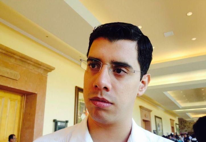 """Esteban Iñigo Ocejo, """"el vendedor de granola"""", promueve proyectos de emprendimiento en Quintana Roo. (Adrian Barreto/SIPSE)"""