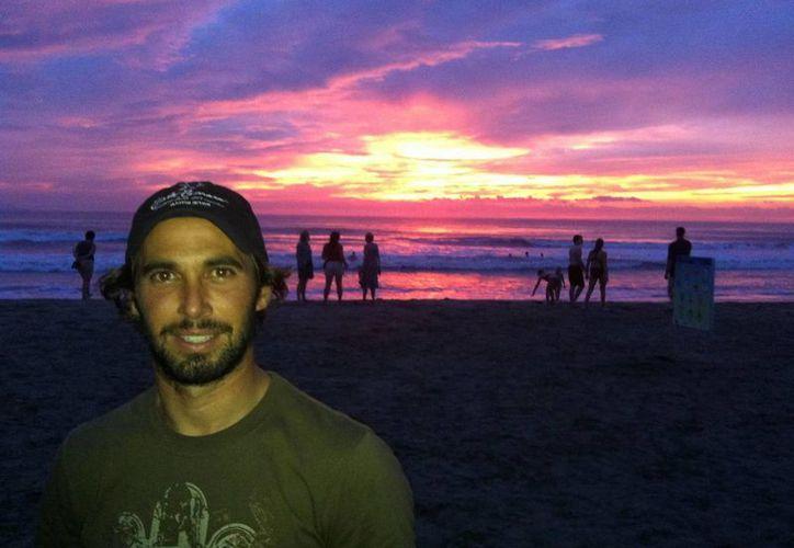 David Mier y Terán participará en el Campeonato Mundial de Tabla Vela, en Bahía de Buzios, Brasil. (Facebook oficial)
