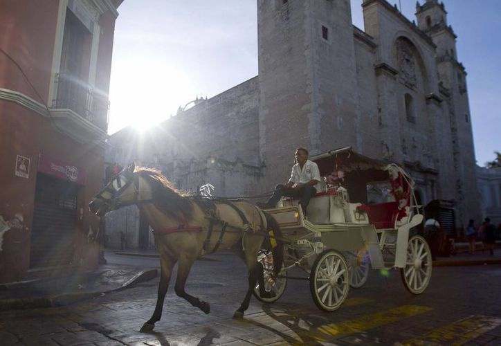 El valor de la lengua, la gastronomía e innovaciones arquitectónicas de Mérida serán discutidos durante el cuarto simposio sobre el patrimonio cultural que se realizará del 11 al 13 de enero en el Mérida Fest. (Archivo Notimex)