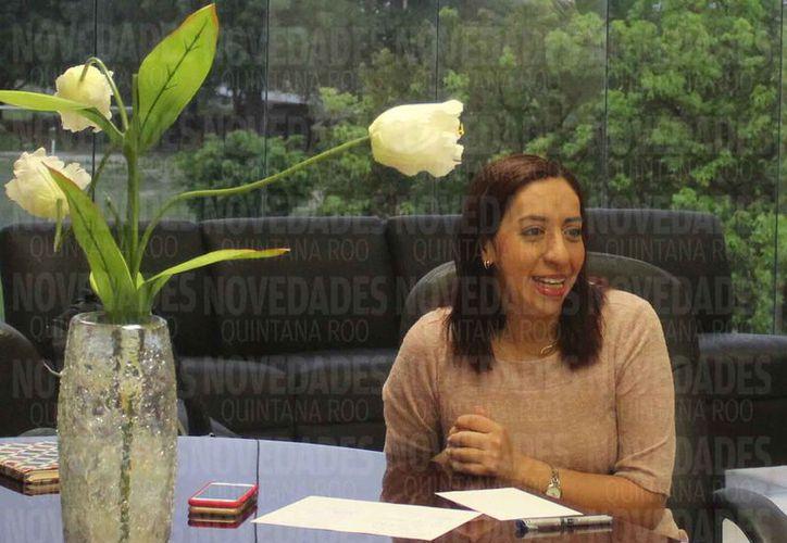 Ana Isabel Vázquez Jiménez, durante una entrevista para Novedades Quintana Roo. (Paola Chiomante/SIPSE)