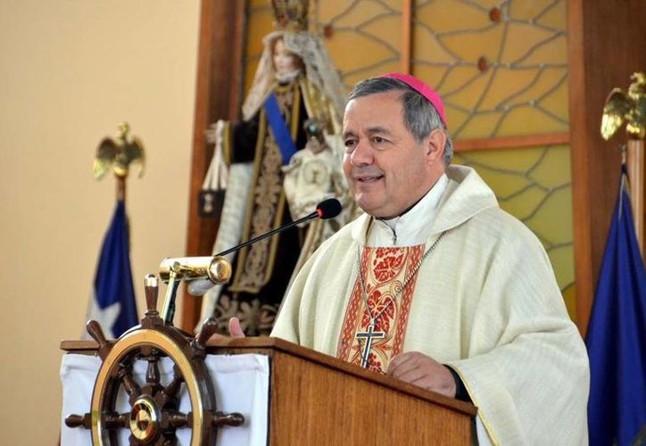 Varias organizaciones han manifestado su sorpresa por el nombramiento de Juan Barros por parte del Papa. (eldinamo.cl)