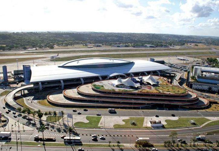 Este es el aeropuerto de Recife donde cientos de mexicanos aficionados al futbol se quedaron varados. (infraero.gov.br)