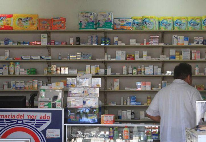 La Cofepris emitió dos alertas por la presencia de productos que no tenían los permisos para su venta. (Ángel Castilla/SIPSE)