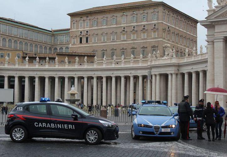 Tras los ataques en París, en Roma se han desplegado cientos de agentes de las fuerzas del orden. (Notimex)