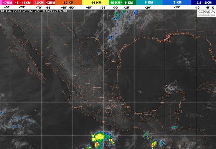 Se registra abundante entrada de humedad y  aire inestable en México. (Foto: SMN)