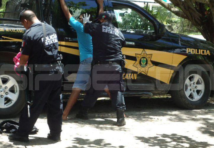 Capturan a narcomenudista, cómplice del comandante policiaco de Buctzotz apodado 'El señor de los cielos'.  (SIPSE)