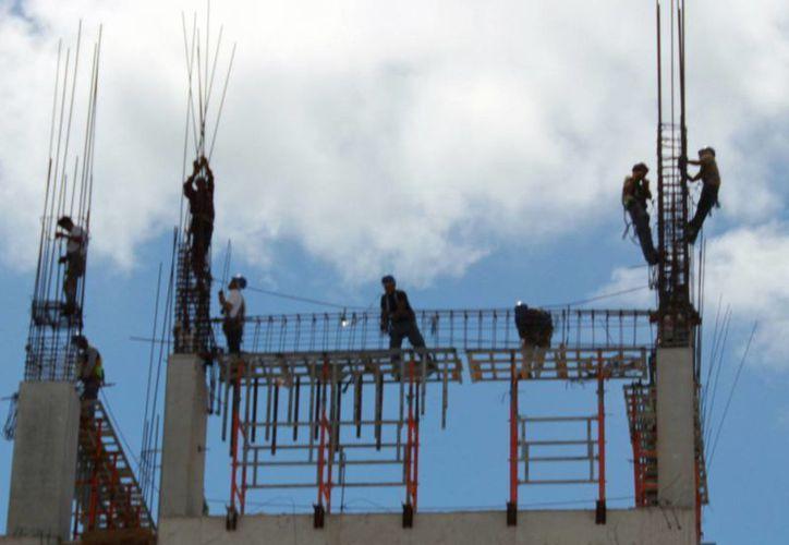 El incremento en el precio de los materiales afecta al sector de la construcción. (Luis Soto/SIPSE)