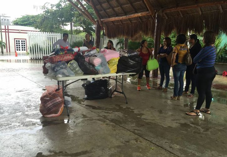 El DIF espera recibir 6 mil cobertores donados para entregarlos en zonas alejadas de Playa del Carmen. (Luis Ballesteros/SIPSE)