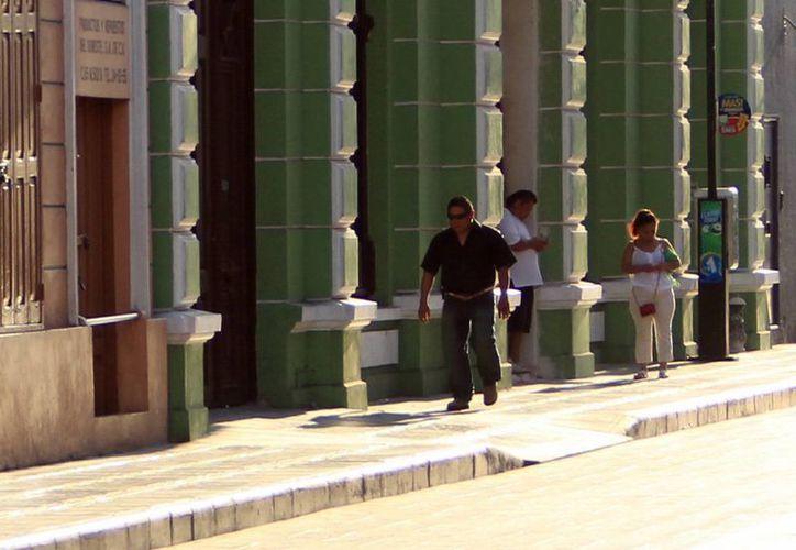 Fuera del Centro Histórico, las calles están muy deterioradas, afirma el Ayuntamiento de Mérida. (SIPSE)