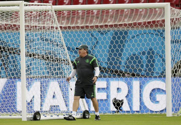 Miguel Herrera será el segundo técnico que tenga continuidad con el 'Tri'. (Foto: Archivo/AP)