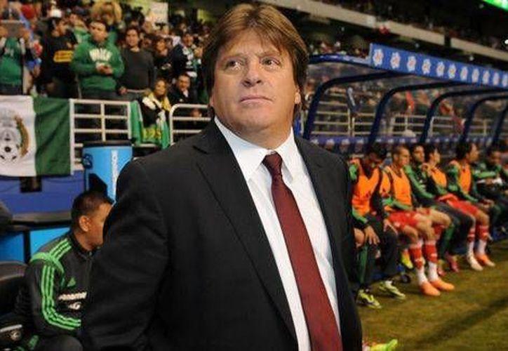 Miguel Herrera aseguró que no quiere ser sólo una piedra en el zapato para la selección local en el Mundial. (mexsport.com)