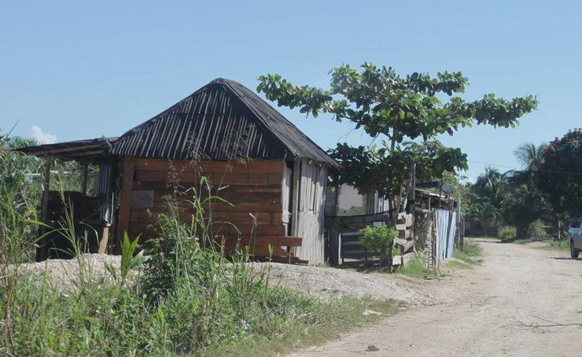 Las autoridades estatales, como la  Seduvi, trabaja en la regularización de dichos asentamientos. (Gerardo Amaro/SIPSE)