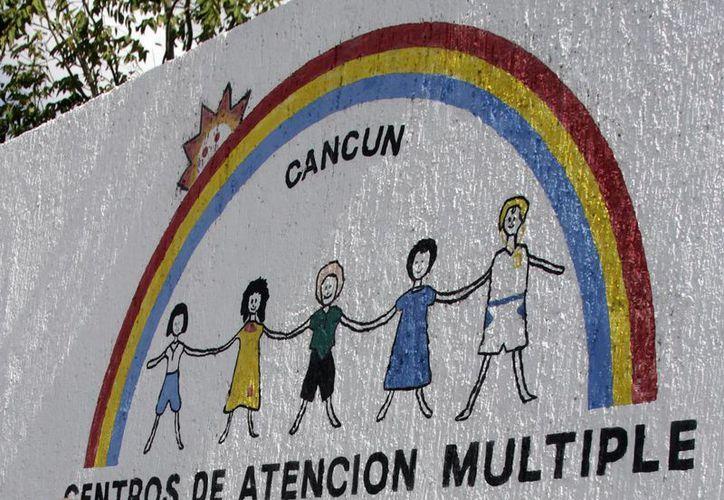 Los Centro de Atención Múltiple tienen ahora en sus registros más casos, que los que atendían hace tres años. (Francisco Gálvez/SIPSE)