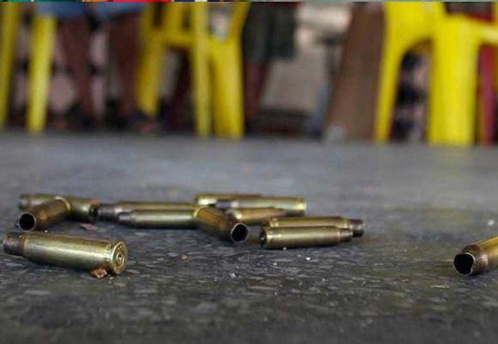 La balacera ocurrió entre las calles Ramón López Velarde y J.J. Tablada de la colonia Santa María en Morelia, Michoacán. (zocalo.com.mx)