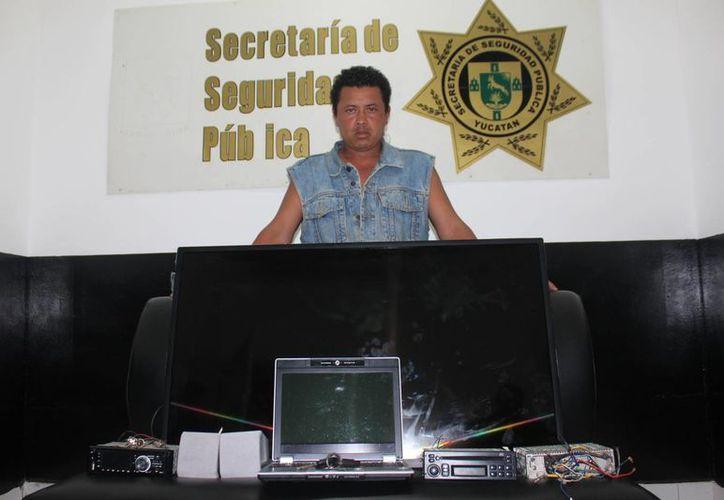 José Sánchez, ya se encuentra fuera de circulación; lo cacharon con varios artefactos robados en un predio. (SIPSE)