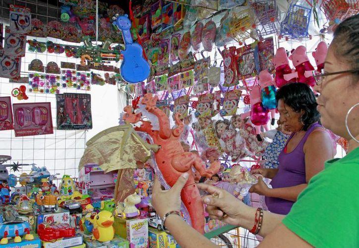 La Profeco pide comprar juguetes en el comercio formal. (Jesús Tijerina/SIPSE)