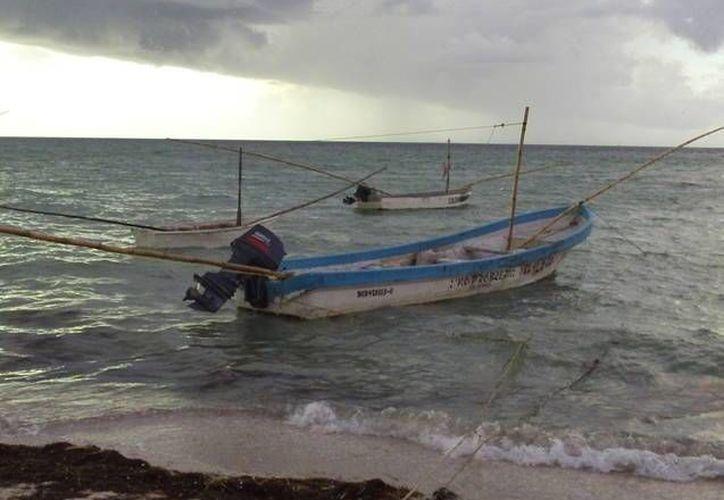 Los tres pescadores debieron retornar a tierra el miércoles. (Archivo/SIPSE)