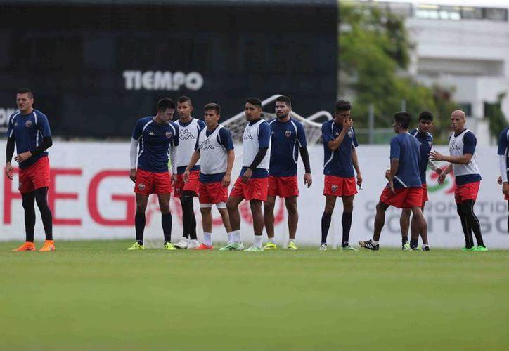 El equipo azulgrana se prepara para un rival muy complicado. (Ángel Mazariego/SIPSE)