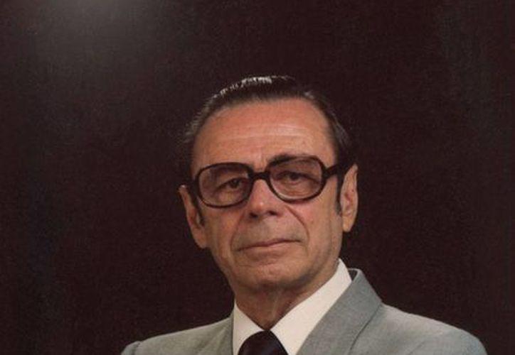 José Antonio Zorrilla Martínez, poeta y compositor, quien será recordado a 100 años de su natalicio. (Milenio Novedades)