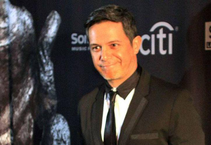 Alejandro Sanz, cantautor español, terminó de grabar su nuevo disco, pero aún no tiene la fecha del lanzamiento. (Archivo/NTX)