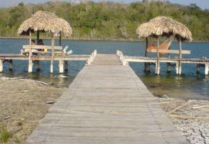 La laguna Chichankanab, de 30 kilómetros de longitud, tendría un plan de manejo para evitar abusos en su explotación turística que dañen el entorno ecológico. (Redacción/SIPSE)