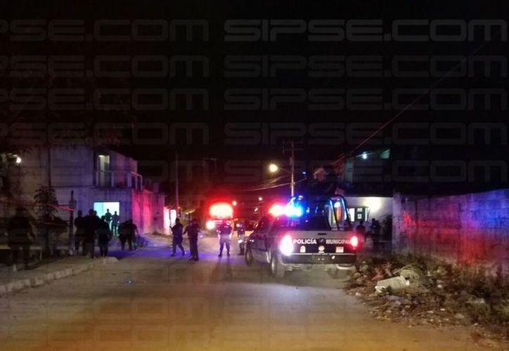 El área se encuentra acordonada por las autoridades policíacas. (Foto: Rubén Darío)