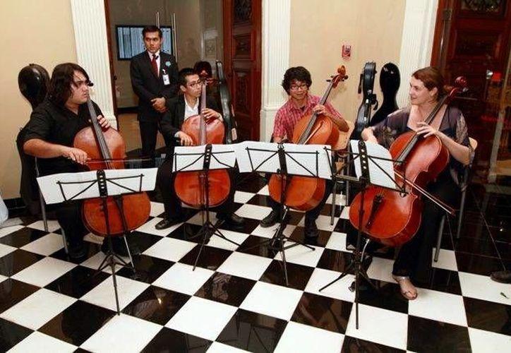 La Orquesta Sinfónica se compone de estudiantes y egresados de la Licenciatura en Artes Musicales. (Milenio Novedades)