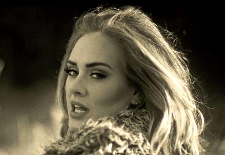 Adele estrena el video de  'When We Were Young, tema de su nuevo disco '25'. (mundotkm.com)