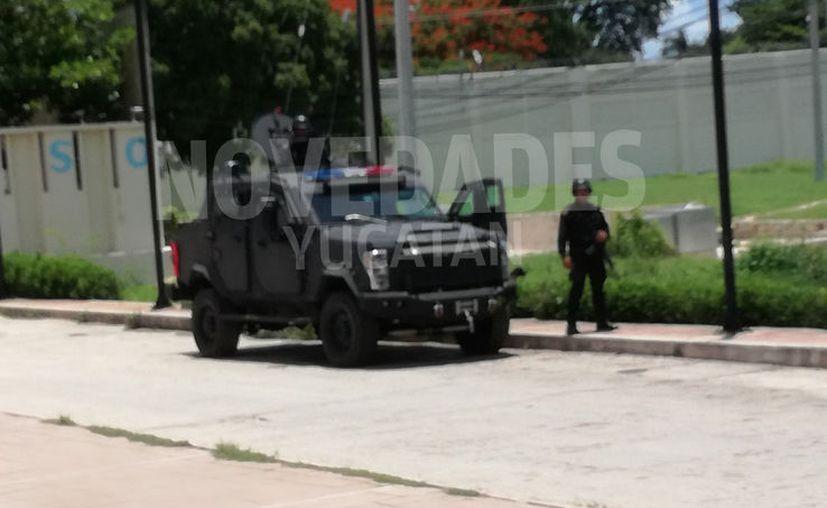 La movilización incluyó un carro blindado. (Novedades Yucatán)